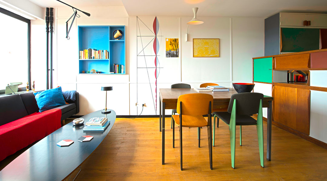 The Windows In Living Room Of Le Corbusier Apartment That Are A Few Steps Away From Kitchen Area Reach Maximum Size And Stretch